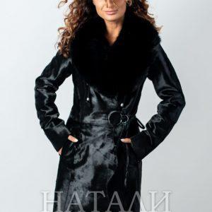 дамско палто от пони с яка от лисица